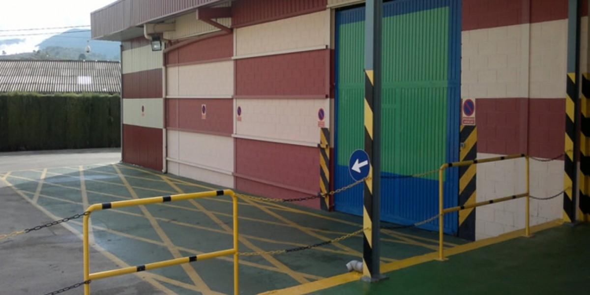 Instalaciones-puerta-para-camiones-intorsa-empresa-de-la-industria-textil